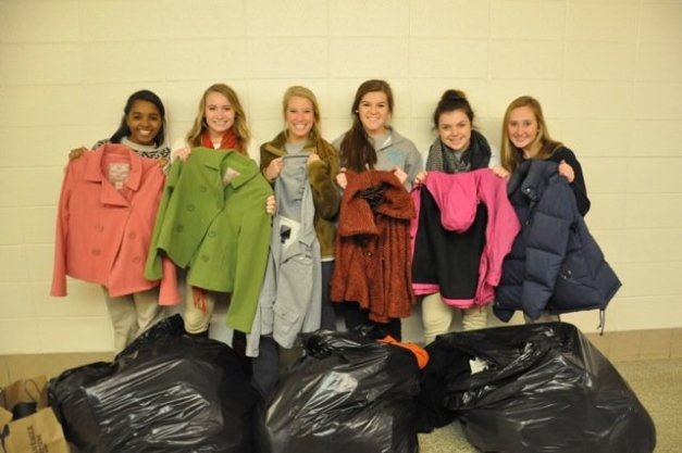 fairhope-high-school-holds-winter-clothing-drive-2a6070d5c0582e32